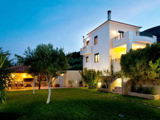 VILLA GEORGIA-LUXURY HOLIDAYS! FULL PRIVACY GARDEN - Chania Prefecture vacation rentals