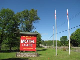 Quiet Bay Log Motel & Caf - Dunchurch vacation rentals