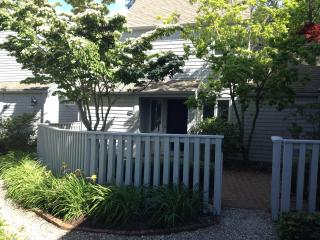 Affordable Luxury -3bd/3ba -$2,200/w - Linens Incl - New Seabury vacation rentals