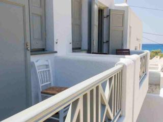 Apartment to rent Amoudaki at Agali Beach - Folegandros vacation rentals