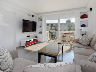 SOBE Ultra Modern Ocean View, ON THE BEACH 2 Bed - Miami Beach vacation rentals