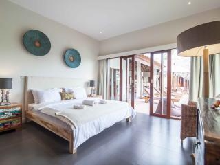 Etnic 4 BR villa with rice field view Canggu - Canggu vacation rentals