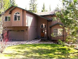 Family Fun - 6 Bdrm, 3 Bth, Wifi Pooltable Hottub - South Lake Tahoe vacation rentals