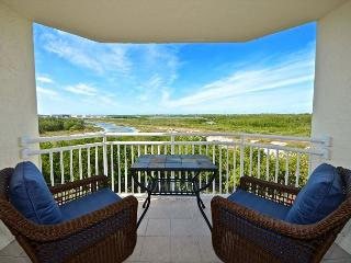 CAYO CRUZ SUITE #308 (Recently Updated!) - Amazing Views - Pool & Hot Tub - Key West vacation rentals