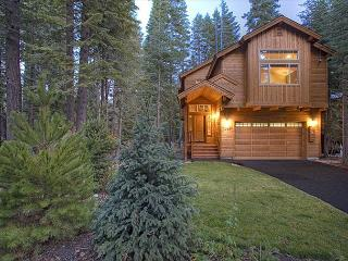WS BLISS -Beautiful West Shore 3 BR Sleeps 9, Hot Tub - $250-275/nt in APR - Tahoma vacation rentals