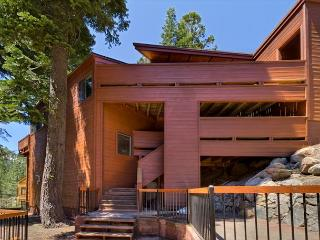 Contemporary 4 BR in Alpine Meadows - close to Trails!  Take 10% in JULY NOW! - Alpine Meadows vacation rentals