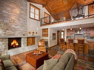 Trailside - Ski-in/out Mid-Mountain 4 BR w/ Hot Tub - Call for NEW Discounts! - North Tahoe vacation rentals