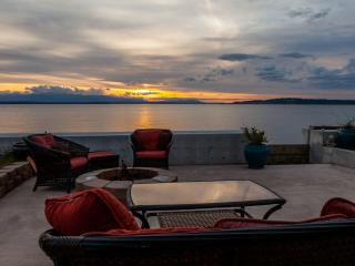 Sunset Beach Cottage - Greenbank vacation rentals