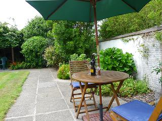 Pet Friendly Holiday Cottage - The Old Shed, Cwm Yr Eglwys - Pembrokeshire vacation rentals