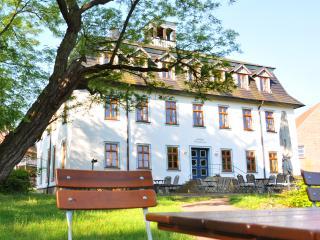 Ferienwohnungen Stiftsgut Wilhelmsglücksbrunn - Creuzburg vacation rentals