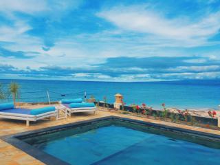 Beachfront Villa Kokita Gili Trawangan - Gili Trawangan vacation rentals