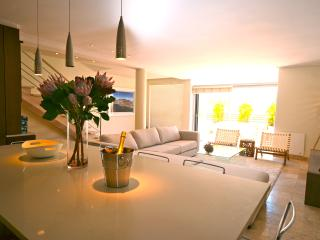 3@Dunkeld: Stylish Camps Bay Townhouse - Camps Bay vacation rentals