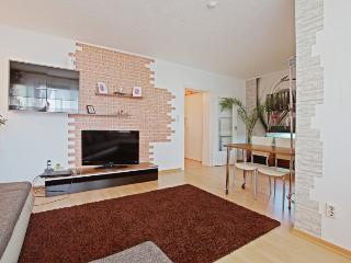ID 5030 | 2 room apartment | Laatzen - Laatzen vacation rentals