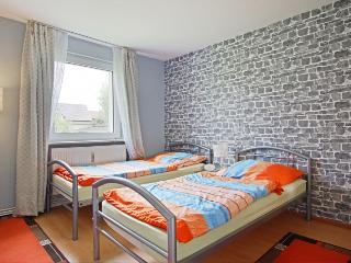 ID 4820 | 1 room apartment | WiFi | Sarstedt - Sarstedt vacation rentals