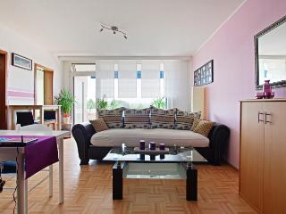 ID 4832 | 2 room apartment | WiFi | Laatzen - Laatzen vacation rentals
