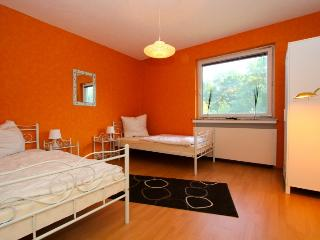 ID 4732 | 4 room apartment | WiFi | Laatzen - Bad Salzdetfurth vacation rentals