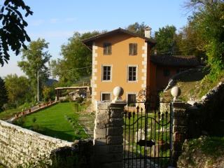 Podere Cesira - Clauzetto vacation rentals