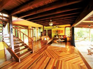 Casa Rio Sierpe, luxury  Hm, Boat & tours included - Corcovado National Park vacation rentals