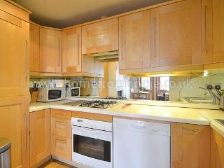 Spacious and serene 2 bedroom apartment close to Regents Park - Hertfordshire vacation rentals