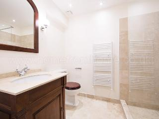 Inviting London Apartment Overlooking Lennox Garden - Islington vacation rentals