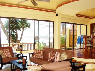 Large luxury Beach front apt Sea view,Pool, 130 m2 - Boracay vacation rentals