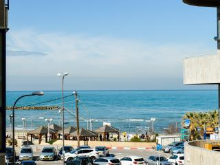 Sea view 3 bedrooms with parking near the beach - Srigim vacation rentals