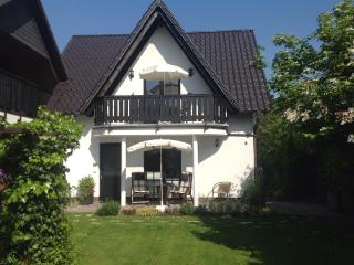 LLAG Luxury Vacation Apartment in Goslar - 538 sqft, upscale, quiet, central (# 4724) - Clausthal-Zellerfeld vacation rentals