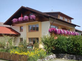 Vacation Apartment in Hopferau - 667 sqft, quiet, relaxing, cozy (# 5478) - Bad Hindelang vacation rentals