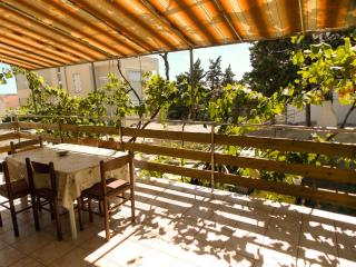 Welcoming 3 bedroom apartment AS for 6 persons in Novalja - Kustici vacation rentals