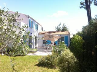 Oleron Villa - Le Chateau d'Oleron vacation rentals