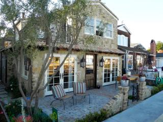 balboa island at its best on the canal! - Balboa Island vacation rentals