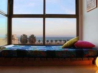 Bright light & Sea views - Turis vacation rentals