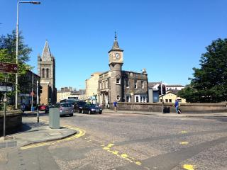 Sunny 2BD Stockbridge Flat - Edinburgh vacation rentals