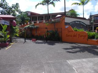 2 Bedrooms apartment x 4 guest,  La Fortuna Arenal - La Fortuna de San Carlos vacation rentals