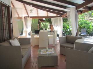 Oceanside Villa: 2 bdrmhome, outdoor ktchn, privat - Playa Potrero vacation rentals