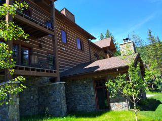 NEW luxury Whitefish Mountain condo - sleeps 6 - Whitefish vacation rentals