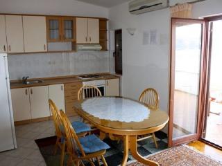 APARTMENTS MORNAR Arbanija - B - Arbanija vacation rentals