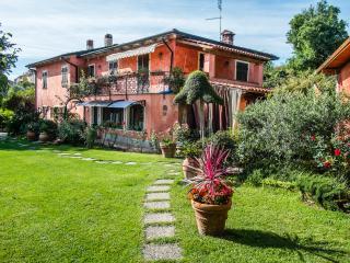 La Casa fra gli Ulivi, near Cinque Terre, Versilia - Ameglia vacation rentals