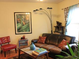 Quiet, Artsy and Comfy 2-BR in Lincoln Square - Chicago vacation rentals