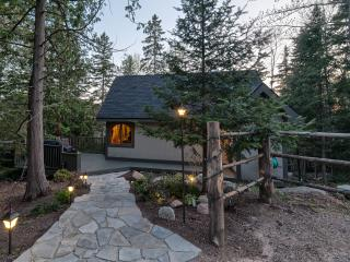 Upper Garden Nature Retreat - Couples Cabin - Callander vacation rentals