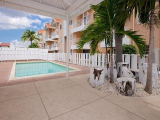 Staycation - relaxing 1 bedroom with wi-fi & pool - Kingston vacation rentals