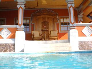 The Raja Singha - Temukus vacation rentals