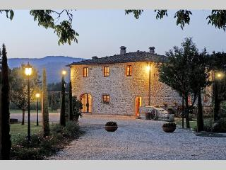 Podere Chianti, elegant Villa in the true Chianti. - Montevarchi vacation rentals