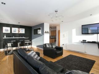 City Centre Laganside Penthouse 3 Bedroom - Belfast vacation rentals