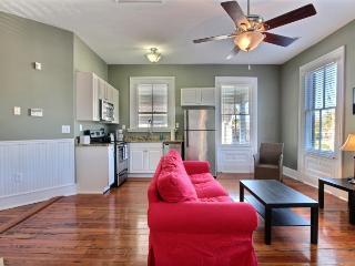 Downtown 4BR/2BA - Free Wifi, Pets OK, Parking - Charleston vacation rentals