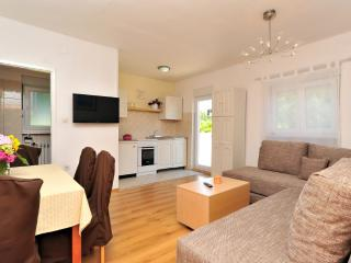Apartment Ero 2+2 (4+2)with terrace - Sukosan vacation rentals