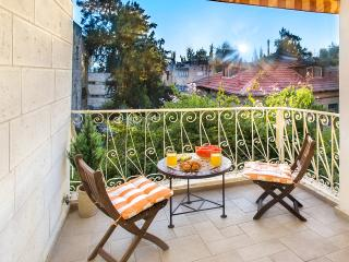 BEST DEAL! BEST LOCATION! STUNNING 2 BDR! - Jerusalem vacation rentals