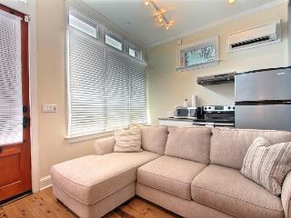 Downtown Luxury 1 BR / 1 BA Condo - Charleston Area vacation rentals