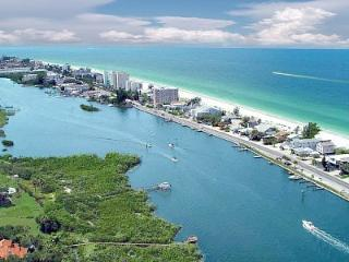 Real Beach Cottage  (3 bdrm / 2 full baths ) - Indian Shores vacation rentals