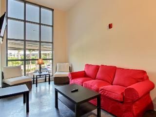 Downtown Luxury 2 BR / 1 BA Condo - 12 - Charleston vacation rentals